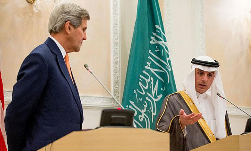 وزير الخارجية السعودية عادل الجبير (يسار)، ونظيرة الأمريكي، جون كيري (إنترنت)