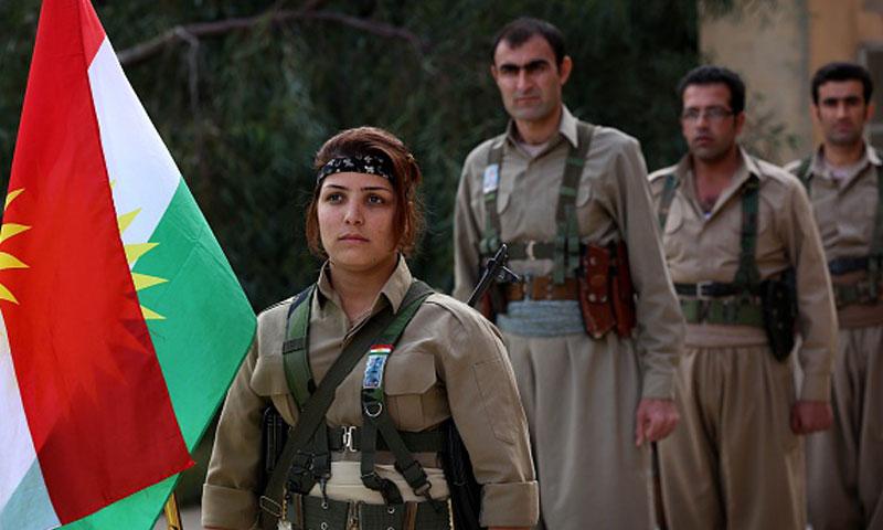 """أرشيفية- مقاتلة في """"بيشمركة إيران"""" (إنترنت)"""