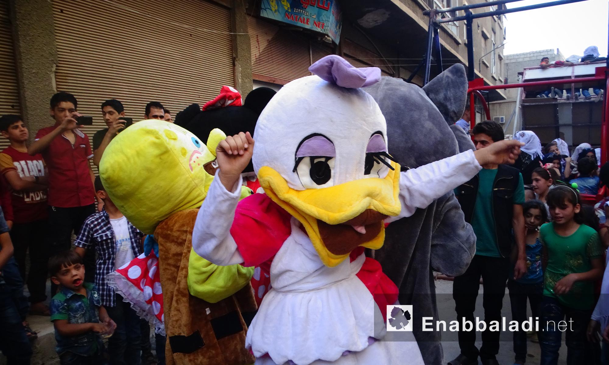 أطفال حي القابون يمرحون في ثالث أيام عيد الفطر- الجمعة 8 تموز (عنب بلدي)