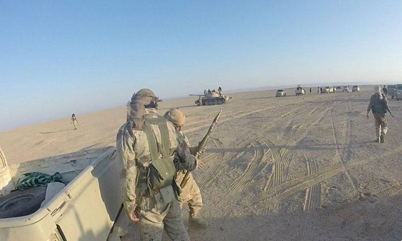 """أرشيفية- مقاتلو تنظيم """"الدولة الإسلامية"""" قرب تدمر (ولاية حمص)"""