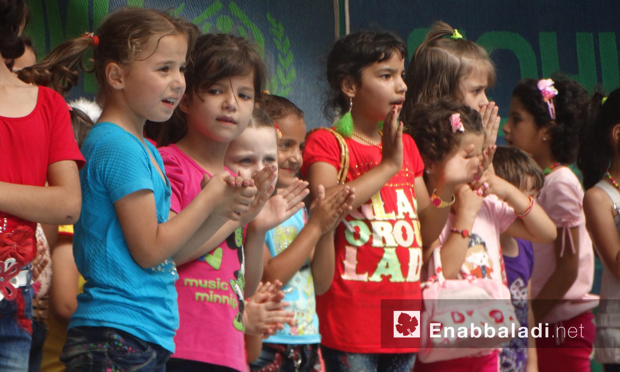 أطفال أيتام في حي الوعر يعيشون أجواء العيد- السبت 9 تموز (عنب بلدي)
