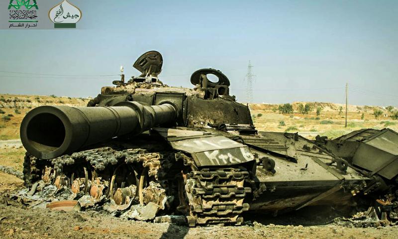 دبابة سيطرت عليها فصائل المعارضة في كلية المدفعية بحلب - السبت 6 آب (أحرار الشام الإسلامية)