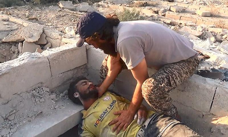 """صورة للشاب بدر الذي أسعفه كادر """"الطبابة الشرعية"""" في حلب - الخميس 25 آب (الطبابة الشرعية في حلب)"""