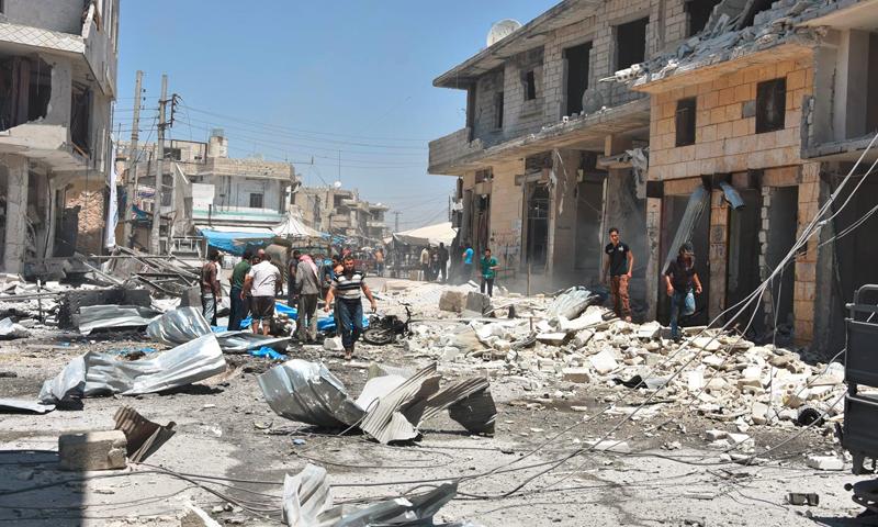 آثار القصف على سوق الأتارب في ريف حلب الغربي - الثلاثاء 2 آب (لجان التنسيق المحلية في الأتارب)