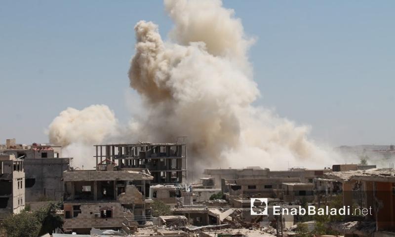 قصف بالبراميل المتفجرة على مدينة داريا غرب دمشق - 12 تموز 2016 (أرشييف عنب بلدي)