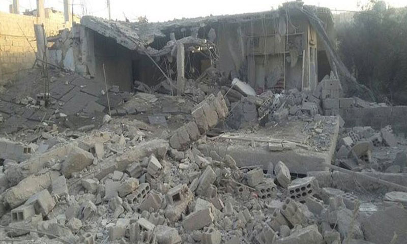 أضرار مادية كبيرة خلفها القصف الجوي على مخيم خان الشيح في ريف دمشق الغربي- الاثنين 1 آب (ناشطون)