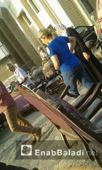 سوق لبيع المسروقات قرب جامع الوهاب بين داريا وصحنايا (عنب بلدي)