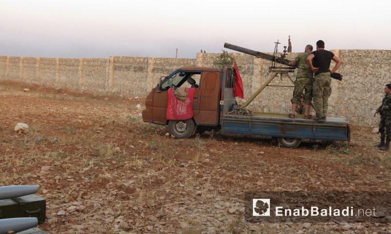"""""""لواء السلطان مراد"""" يجهز صواريخه قبل استهداف الأكاديمية العسكرية في حلب - الاثنين 8 آب (عنب بلدي)"""