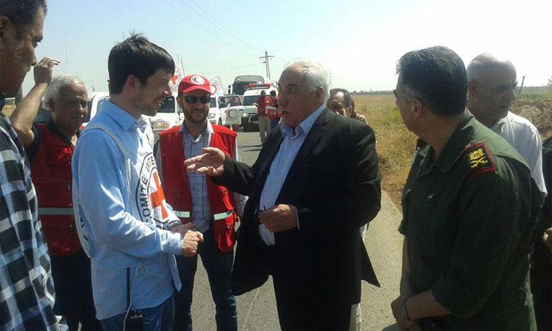 النظام أدخل مساعدات إلى مدينة نوى في ريف درعا مطلع آب الجاري (فيس بوك)