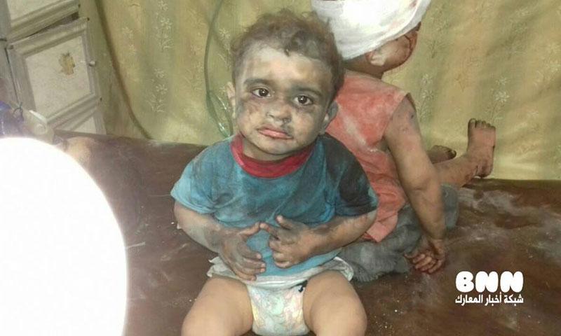 طفلة ناجية من مجزرة حي المرجة في مدينة حلب- الجمعة 5 آب (فيس بوك)