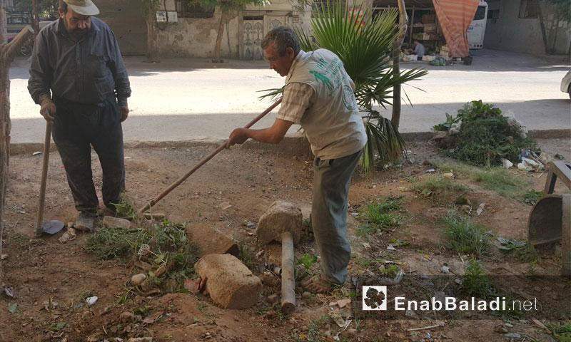 تأهيل الحدائق في مدينة دوما بالغوطة الشرقية - الثلاثاء 16 آب (عنب بلدي)