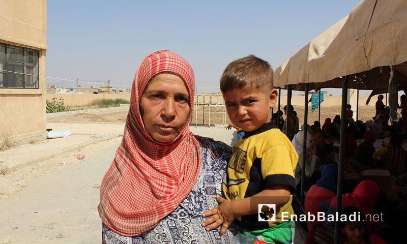 عوائل نازحة من مدينة الحسكة إلى مدينة عامودا- الأحد 21 آب (عنب بلدي)