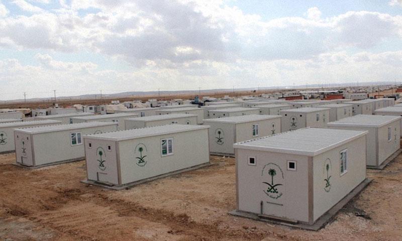 """كرفانات في مخيم الزعتري تقدمة """"الحملة الوطنية السعودية"""" (إنترنت)"""