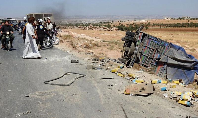 أدت الغارة إلى وفاة سائق الحافلة وتلف حليب الأطفال فيها- الخميس 18 آب (مركز المعرة الإعلامي)