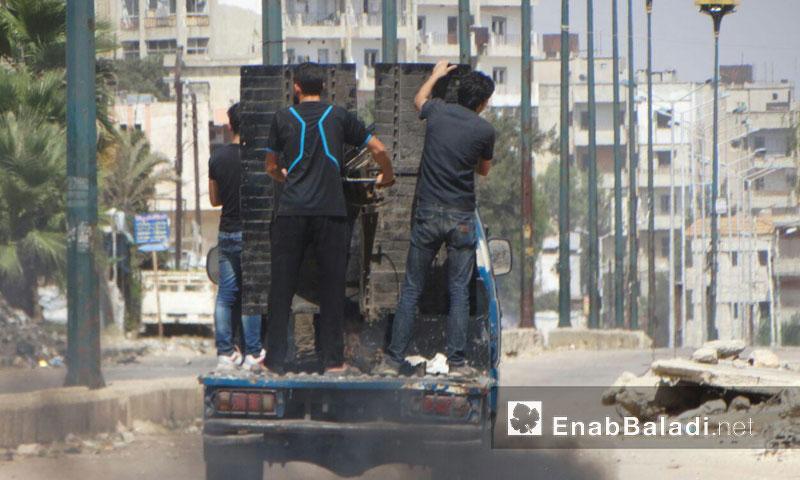 مقاتلو الوعر يحاولون التصدي لطيران الأسد- الأحد 28 آب (عنب بلدي)