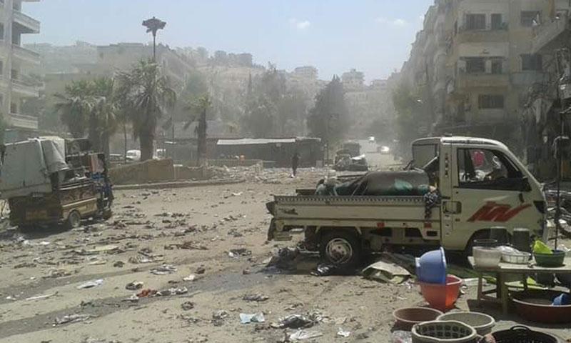 الدمار الذي خلّفه القصف الروسي على مدينة إدلب- الأربعاء 10 آب (تويتر)