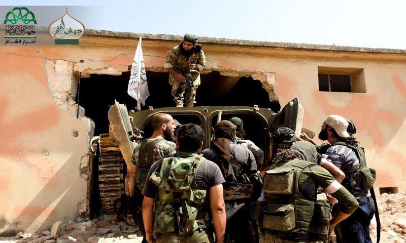 """مقاتلون من حركة """"أحرار الشام الإسلامية"""" جنوب حلب- الخميس 4 آب (تويتر)"""