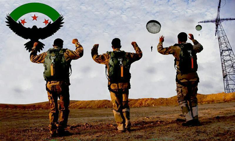 """مقاتلون من """"جيش سوريا الجديد"""" ينفذون إنزالًا مظليًا قرب البوكمال - 28 حزيران 2016 (جيش سوريا الجديد)"""