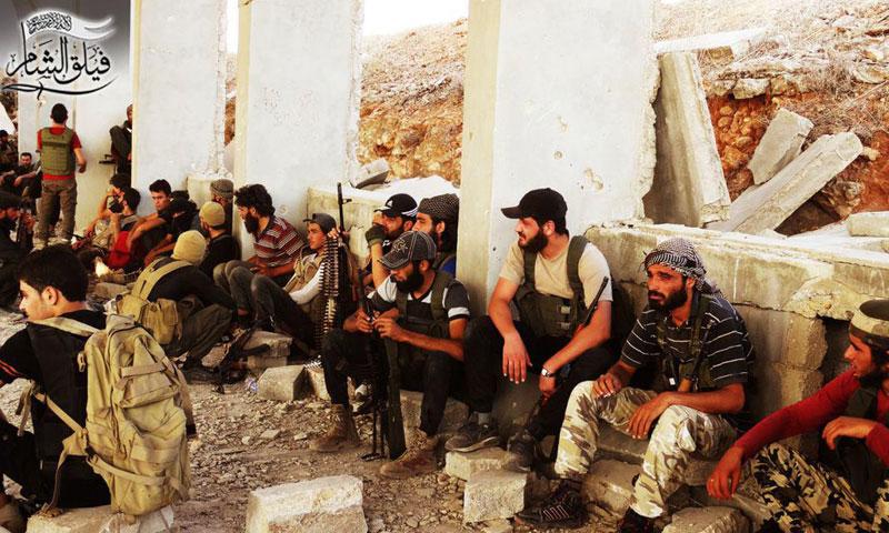 """مقاتلون من """"فيلق الشام"""" قبيل انطلاق المرحلة الجديدة من معركة حلب- الخميس 4 آب (فيلق الشام)"""