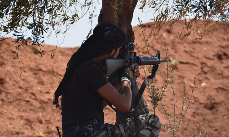 أرشيفية- مقاتل من الجيش الحر في ريف حلب الشمالي (لواء المعتصم)