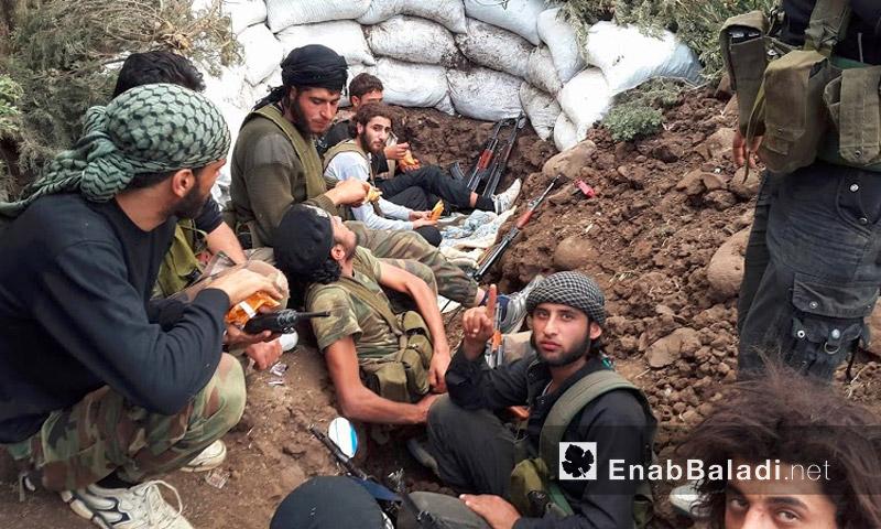 """حاجز """"منع تقدم"""" لقوات المعارضة على حاجز """"الديك"""" على أبواب قرية الزارة - الخميس 12 أيار (عنب بلدي)"""
