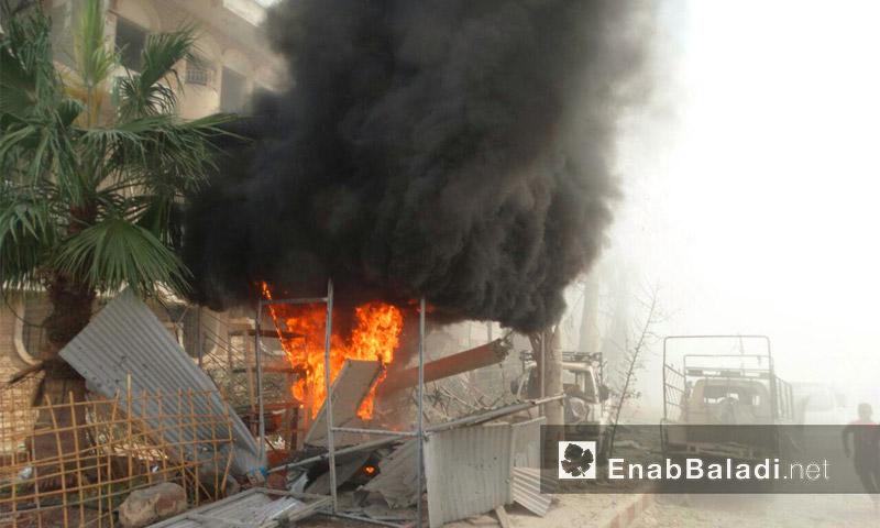 غارات للطيران الحربي على حي الوعر في مدينة حمص- السبت 27 آب (أرشيف عنب بلدي)