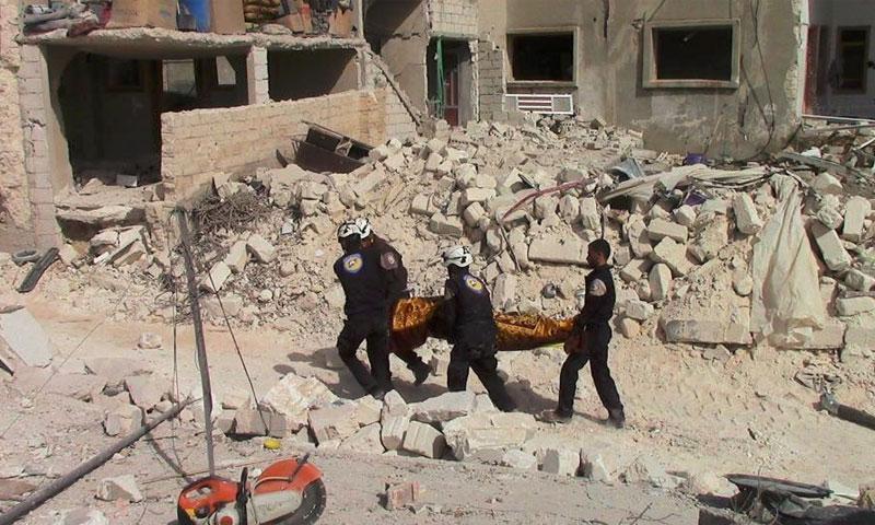 آثار القصف على خان شيخون في ريف إدلب الجنوبي - 21 أيلول (ناشطون)