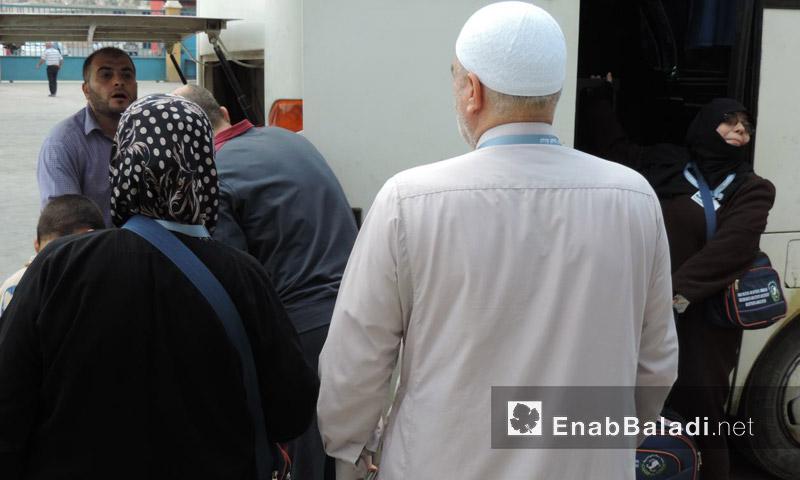 دخول الدفعة الأولى من معبر باب الهوى إلى تركيا - الخميس 25 آب (عنب بلدي)