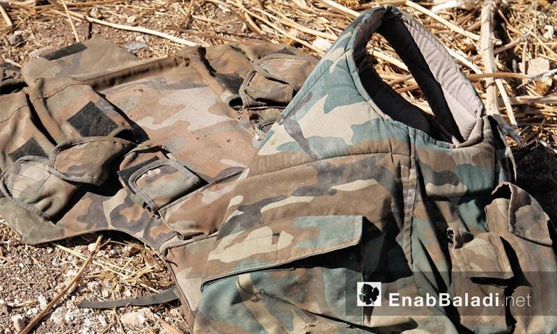 ملابس جنود الأسد قرب بلدة الطليسية في ريف حماة الشمالي الشرقي - 28 أيلول (عنب بلدي)
