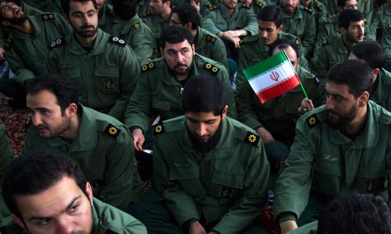 مقاتلين من الحرس الثوري الإيراني (إنترنت)