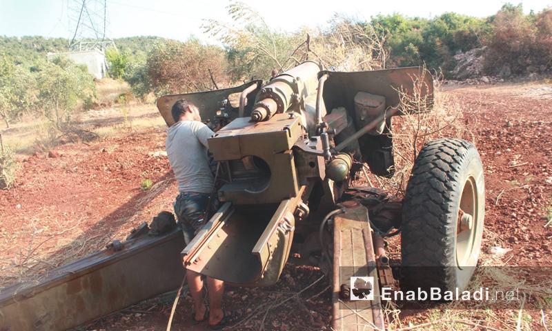 """استهداف مقاتلي """"الفرقة الأولى الساحلية"""" لقوات الأسد على محور كبانة - الاثنين 22 آب (عنب بلدي)"""