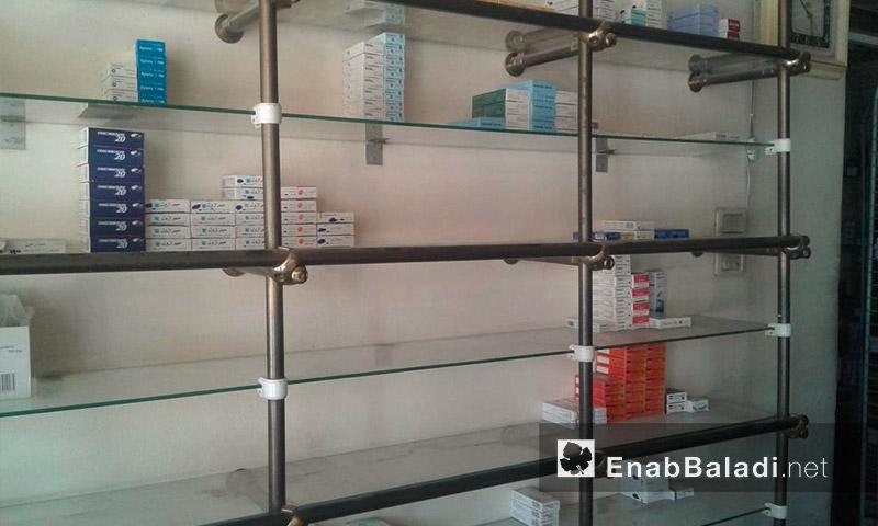 صيدلية في مدينة القامشلي - أيلول 2016 (عنب بلدي)