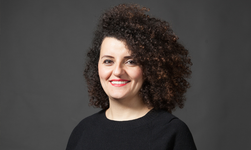 """رولا أسد، المديرة التنفيذية لشبكة """"الصحفيات السوريات"""" (مهند دهني)"""