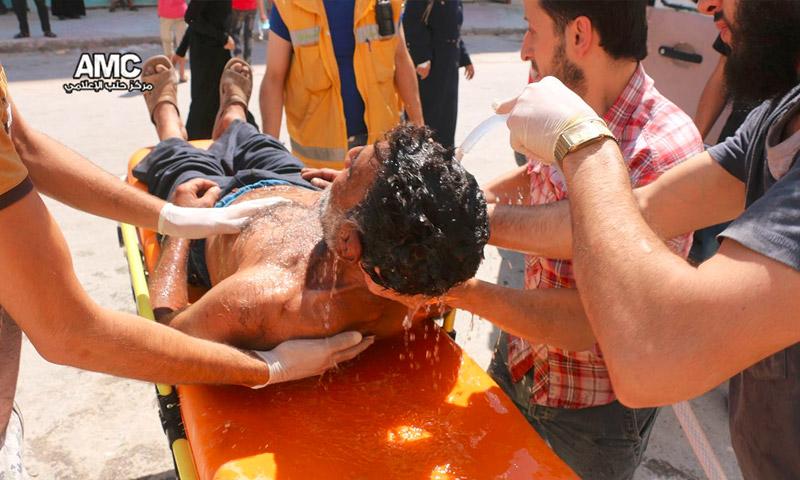 طواقم طبية تسعف حالات اختناق بغاز الكلور في حي السكري بحلب -الثلاثاء 6 أيلول (مركز حلب الإعلامي)