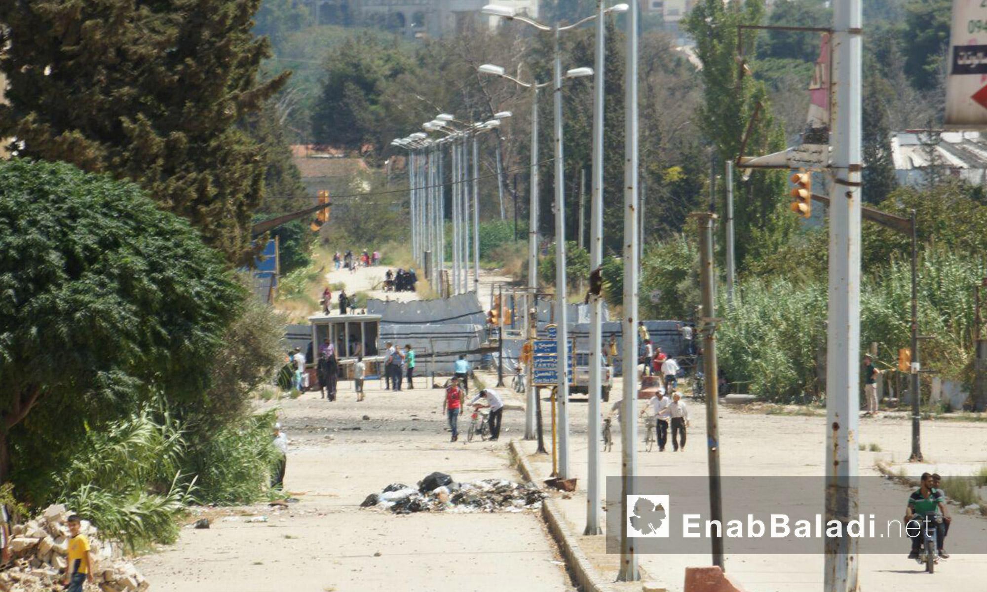 """معبر """"دوار المهندسين"""" في حي الوعر بحمص - الثلاثاء 6 أيلول (عنب بلدي)"""