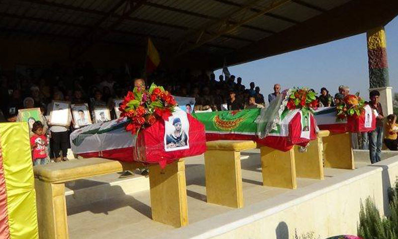 أرشيفية- تشييع مقاتلين أكراد في منطقة عفرين