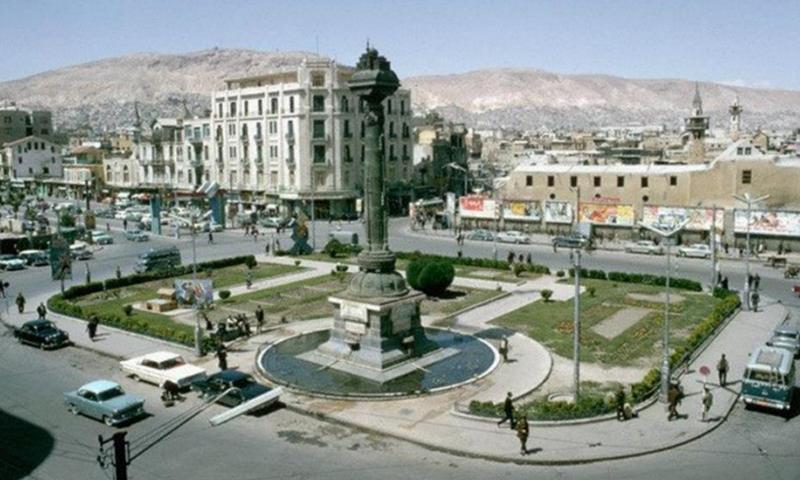 ساحة المرجة ومسجد يلبغا في 1966(عماد الأرمشي)ساحة المرجة ومسجد يلبغا في 1966(عماد الأرمشي)