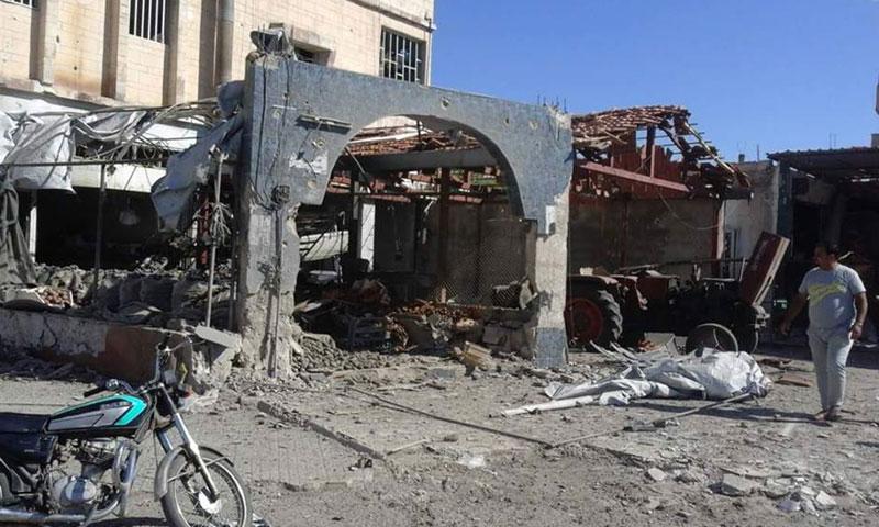 الدمار الناتج عن القصف بالبراميل المتفجرة على مدينة داعل- الأحد 18 أيلول (فيس بوك)