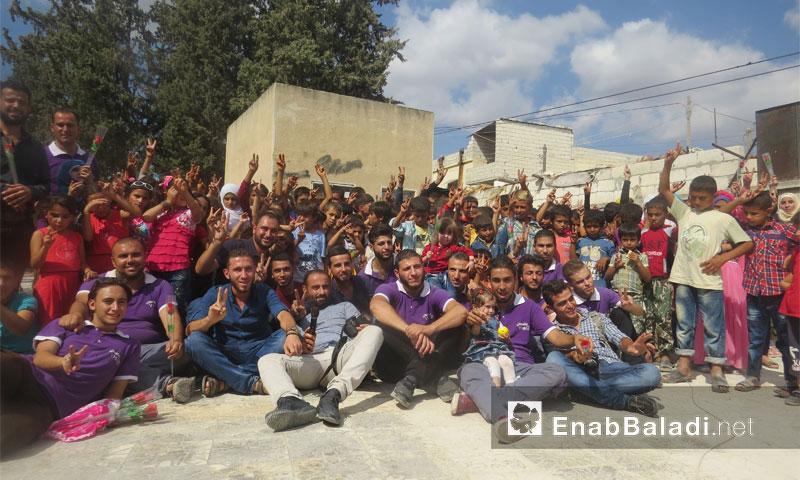 فعاليات نشاط منظمة بنفسج في ريف دركوش الشمالي بإدلب خلال عيد الأضحى (عنب بلدي)