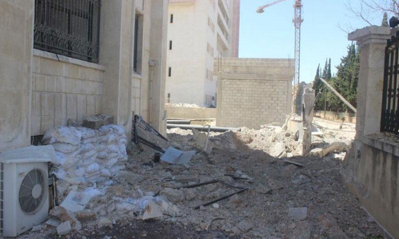 آثار الدمار في مديرية صحة إدلب - 18 آب 2016 (فيس بوك)