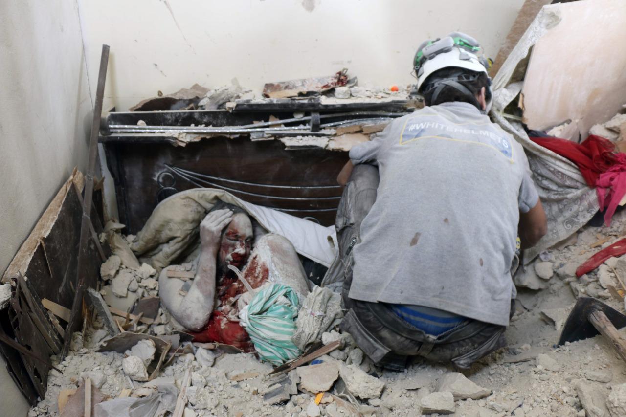 آثار القصف على أحياء حلب - الأحد 25 أيلول (AFP)