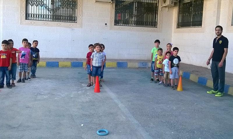 نشاطات الأطفال في مدرسة شام المعارف في صحنايا الخاصة (صفحة المدرسة فيس بوك)