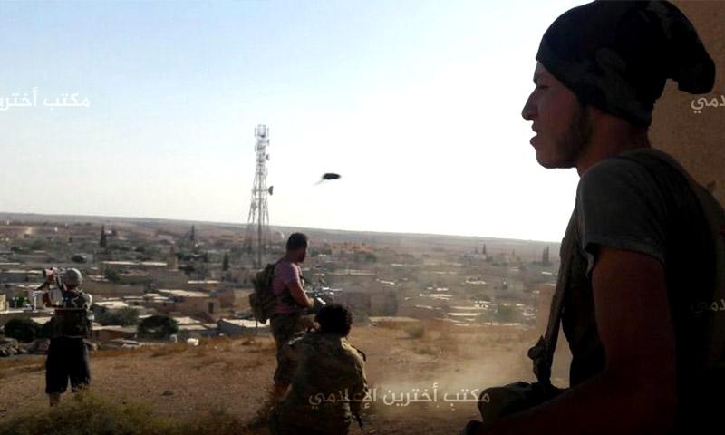 """مقاتلو """"الجيش الحر"""" في بلدة أخترين شمال حلب (مركز أخترين الإعلامي)"""