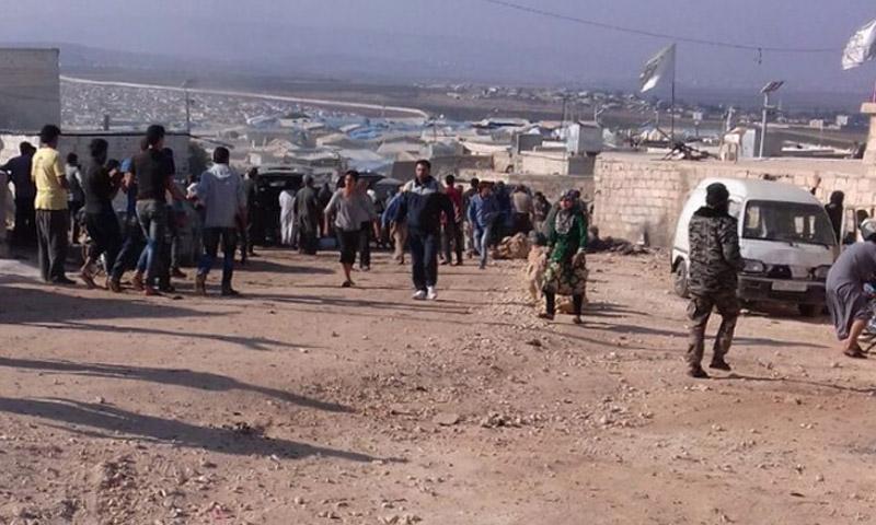 آثار التفجير في معبر أطمة الحدودي مع تركيا - الخميس 6 تشرين الأول (تويتر)