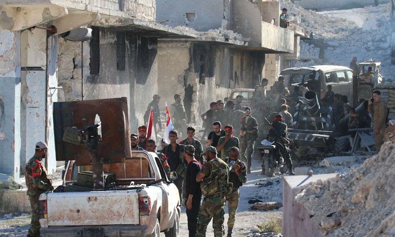 عناصر من قوات الأسد في مخيم حندرات 24 أيلول