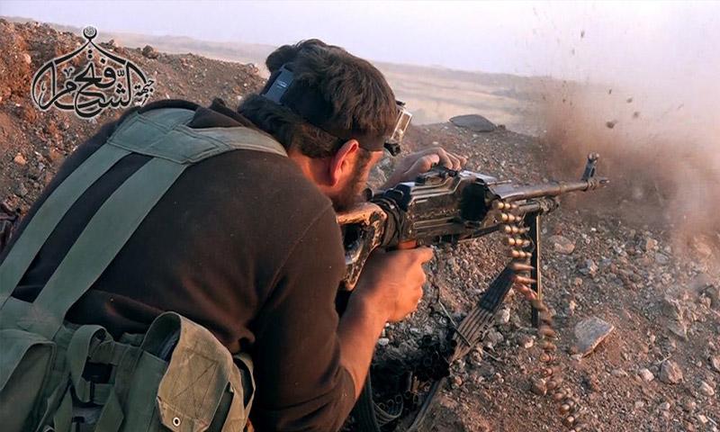 """مقاتل من """"فتح الشام"""" في ريف حماة الشمالي - الاثنين 3 تشرين الأول (فتح الشام)"""