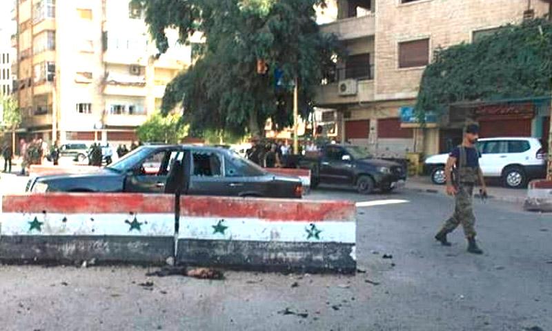 """تعبيرية: آثار التفجير الذي ضرب مبنى حزب """"البعث"""" وسط حماة - 3 تشرين الأول 2016 (فيس بوك)"""