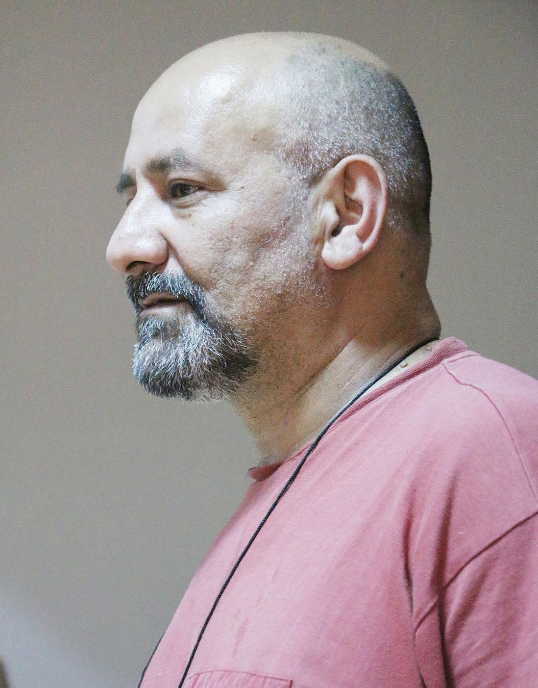 حسين برو - صحفي ومسرحي سوري