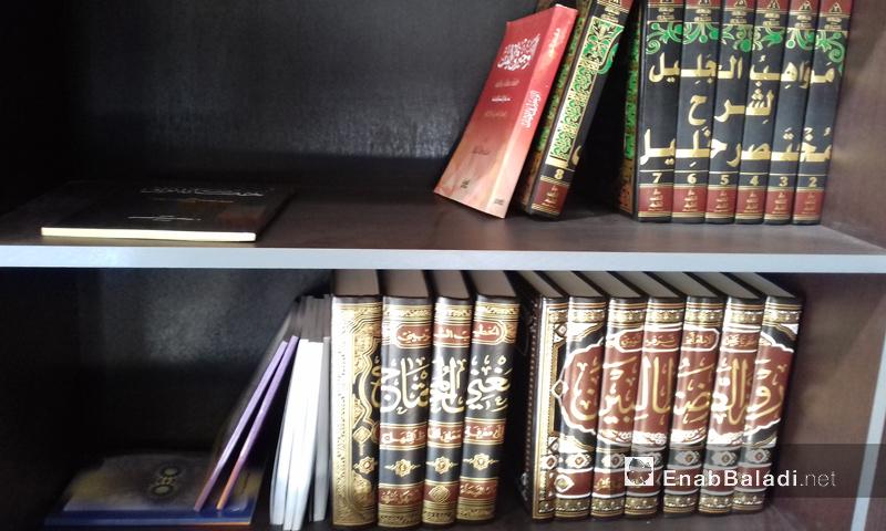 """مكتبة """"قرطبة"""" في مدينة إدلب - تشرين الأول 2016 (عنب بلدي)"""