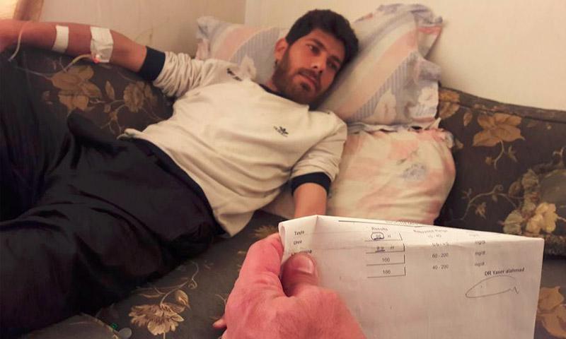 المريض علي غصن مصاب بالفشل الكلوي في مضايا - 9 تشرين الأول (صفحة مضايا في فيس بوك)